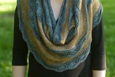 Ravelry: Project Gallery for Seashore Cowl pattern by Milja Uimonen
