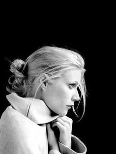 Paltrow Portrait Black White & Black White {:}