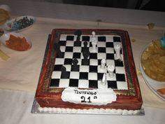 "Titi's Instagram photo: ""21st  #21st #21stbirthday #21stbirthdaycake #chess #chesscake #chesscakedesign"" Chess Cake, 21st Birthday, Instagram, Chess Pie, Checkered Cake"