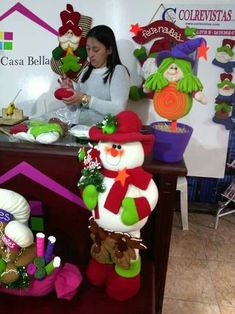 Precioso Christmas Diy, Xmas, Christmas Ornaments, Snowman, Wallpaper, Holiday Decor, Crafts, Diana, Baby Dolls