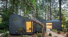Las casas que están en perfecta armonía con el entorno pueden ser simplemente construcciones bien integradas desde un punto de vista paisajístico.