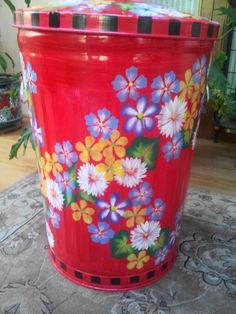 20 Gallon Hand Painted Trash Can krystasinthepointe.com - ETSY Painted Trash Cans, Paint Cans, Trash And Recycling Bin, Trash Bins, Tire Art, Kitchen Trash Cans, Tole Painting Patterns, Garbage Can, Milk Cans