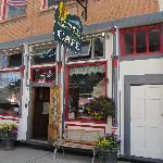 Link goes to the list of restaurants in Silverton and feedback/ratings from patrons. Brown Bear Cafe