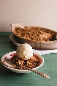 Sweet Treats: a baking blog: Mom's Apple Crisp