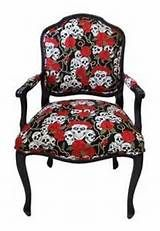 Roses and skull vintage chair Skull Furniture, Funky Furniture, Home Decor Furniture, Furniture Ideas, Funky Chairs, Cool Chairs, Arm Chairs, Lounge Chairs, Gothic Interior