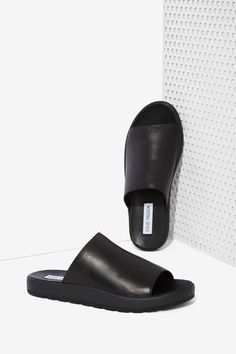 Steve Madden Flavor Leather Slide Sandals | Shop Shoes at Nasty Gal!