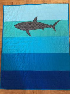 Shark Quilt Toddler or Crib Size by sandboxquilts on Etsy Cute Quilts, Boy Quilts, Quilting Projects, Sewing Projects, Quilting Ideas, Nautical Quilt, Nautical Nursery, Fabric Fish, Fabric Art