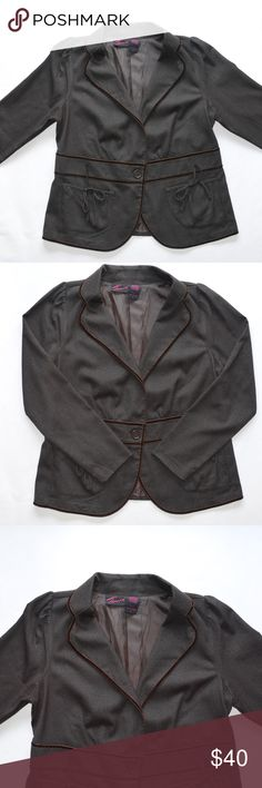 """Torrid Women's Tweed Blazer Size 1 Brown/Green EUC This is a Torrid Women's Tweed Blazer • Size: 1 • Color: Brown: Green • Excellent used condition • Long Sleeve • One button front closure • Two front pockets with bow details • Partially lined • Velvet trimmings • Made of 63% Polyester 34% Rayon 3% Spandex • Dry clean • Made in China • Approx measurements: Chest: 42"""". Waist: 41"""". Hip: 46"""". Sleeve Length: 25 1/2"""". Length: 26"""" • torrid Jackets & Coats Blazers"""