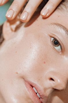 Proenza schouler 5 #loveyourskin #beauty #loveyourskinquotes #loveyourskinphotography #skincare #glowingskin Bare Beauty, Clean Beauty, Beauty Care, Beauty Skin, Beauty Hacks, Daily Beauty, Beauty Makeup, Beauty Routine Weekly, Beauty Routines