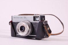 """DDR Museum - Museum: Objektdatenbank - Kamera """"SMENA SL""""    Copyright: DDR Museum, Berlin. Eine kommerzielle Nutzung des Bildes ist nicht erlaubt, but feel free to repin it!"""