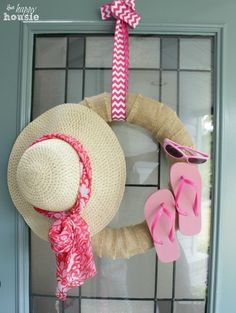 "Easy DIY - ""I'm Ready for the Beach Summer Wreath"" - tutorial at The Happy Housie"