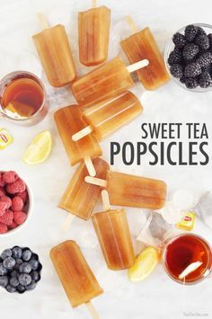 Sweet Tea Popsicles - The Chic Site - How to make: Sweet Tea Popsicles – Perfect Summer Treat - Tea Recipes, Ice Cream Recipes, Summer Recipes, Frozen Desserts, Frozen Treats, Homemade Popsicles, Ice Popsicles, Alcoholic Popsicles, Breakfast Popsicles