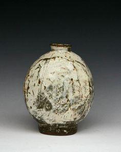 Korea Onggi potter – Lee Kang-hyo
