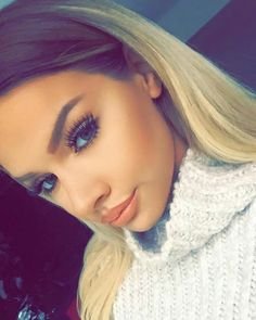 Shared by Letizia. Find images and videos about beauty, 💖 and david on We Heart It - the app to get lost in what you love. Shirin David Style, Makeup On Fleek, Hair Makeup, Rapper, Youtuber, Youtube Stars, Tumblr Girls, Girl Pictures, Beauty Hacks