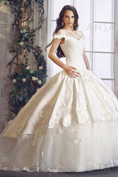 White and Gold Wedding Gown. Off the Shoulder, Sweetheart corset, Overskirt, Satin, Lace, Ballgown. Princess Bride Dress.