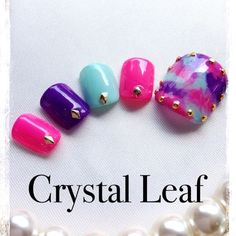 ネイル 画像 Nail Salon Crystalleaf 上野 544428 カラフル タイダイ 夏 ソフトジェル フット Pedicure Designs, Pedicure Nail Art, Toe Nail Designs, Toe Nail Art, Classy Nails, Trendy Nails, Hawaiian Nails, Summer Toe Nails, Feet Nails