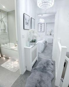 Home Room Design, House Design, Narrow Hallway Decorating, Dream House Interior, Bathroom Design Luxury, Dream Rooms, House Rooms, Home Living Room, Home Decor Inspiration