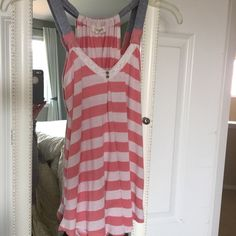 ⚡️⚡️CLOSET CLEAR OUT Pink/white tank top⚡️⚡️ Rewie pink and white stripped tank top. Junior, size small. Super cute! Tops Tank Tops