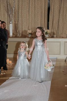 High Quality Silver Sequins Long Flower Girls Dresses For Beach Weddings Kids Jordans Pageant Vestido De Daminha Para Casamento