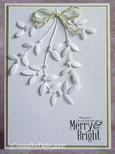A Scrapjourney: Christmas, I like the small pearls among the leaves.