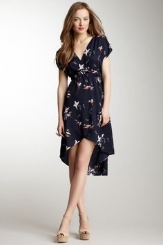 #I need more navy...  #Fashion #Nice #New #SummerClothes  www.2dayslook.com