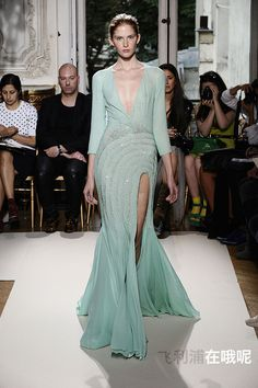 Georges Hobeika - Couture - Fall-winter 2012-2013 - http://www.flip-zone.net/fashion/couture-1/fashion-houses/georges-hobeika