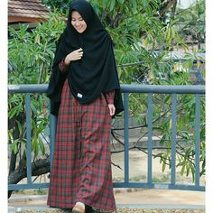 OOTD by @passionofsyari ❤❤  Check it outtt! All dress under 200k!   Bagus bagus lagiii     Samaan kuy,  @passionofsyari  @passionofsyari  Thank you yaa
