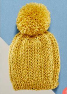 Berretti 6/8 anni | La Maglia di Marica Bobble Hats, Bandana, Lana, Knitted Hats, Knitting Patterns, Crafts For Kids, Wool, Yellow, Stuff To Buy