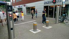 Acceso vehicular controlado a zonas peatonales. Holanda.