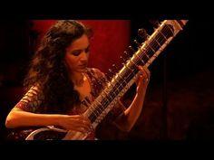 ▶ Anoushka Shankar - Si no puede verla - live - YouTube