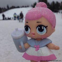 A brincadeira preferida de Crystal Queen é brincar na neve! Qual é sua brincadeira preferida?