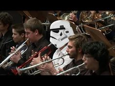 John Williams - Star Wars The Throne Room. The Force Awakens Tribute Performance - YouTube