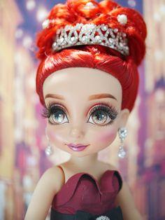 ความงาม Disney Princess Dolls, Disney Dolls, Witches, Crown, Disney Characters, Paintings, Manualidades, Bruges, Corona