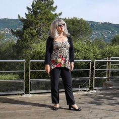 BON LUNDI Une semaine plus courte pour certains 3 ou 4 jours pour d'autres... Et  pour beaucoup! Bonne semaine!   #fashion #style #stylish #love #socialenvy #wearabletherapy #me #cute #photooftheday #nails #hair #beauty #beautiful #instagood #instafashion #pretty #girl #girls #eyes #model #dress #skirt #shoes #heels #styles #outfit #purse #jewelry #shopping #hashtaggedapp http://themouse.org