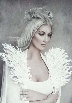 New photography fashion winter snow queen ideas Costume Halloween, Halloween 2018, Halloween Makeup, Photoshoot Idea, Ice Queen Costume, Amanda Diaz, Foto Fantasy, Fantasy Queen, Fantasy Princess