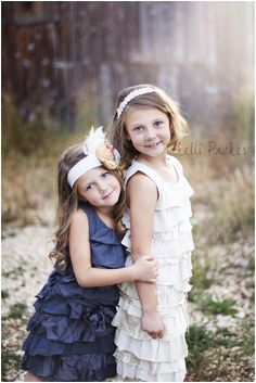 photography, fall photography, little girl photography poses. www.kellipackerphotography.com                                                                                                                                                                                 More