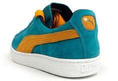 If you are looking for a colorful edition of the Puma Suede, the sneaker is currently making the rounds in a shade of aqua, combined with yellow. Pumas Shoes, Men's Shoes, Puma Suede, Suede Pumas, Sneakers Fashion, Fashion Shoes, Adidas Shoes Outlet, Shoe Sites, Site Nike