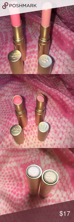 Too Faced la creme lipstick x 2 full size Too Faced la creme lipstick.colors: shimmering marshmallows(used 2 times), shimmering naked dolly (used 2 times) sanitized. Full size. Too Faced Makeup Lipstick