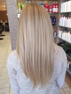 Icy blonde - (this is my hair! Hair Color And Cut, Brown Hair Colors, Short Brunette Hair, Blonde Hair, Long Fringe Hairstyles, Cool Hairstyles, Corte Bob, Medium Layered Hair, Icy Blonde