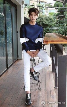 Park Hyung Sik, Korean Men, Asian Men, Strong Girls, Strong Women, Hot Actors, Actors & Actresses, Park Hyungsik Cute, Ahn Min Hyuk