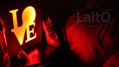 """Luz de noche LaitO """"Love"""". Elegí el color de la noche: blanco frío, blanco cálido, azul, amarillo, rojo ó verde. También con luz LED multicolor a control remoto con dimmer, efectos y """"Guía de colores para niños"""". Tendrás todos estos colores: blanco, rojo, naranja, amarillo puro, amarillo oscuro, amarillo claro, verde puro, verde claro, azul puro, azul cielo, azul claro, azul oscuro, violeta, lila, purpura y rosa. www.laito.com.ar"""