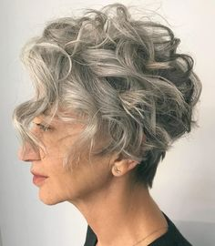Pixie Cut Curly Hair, Short Curly Cuts, Curly Pixie Hairstyles, Pixie Cut With Bangs, Grey Curly Hair, Short Curls, Haircuts For Curly Hair, Short Wavy Hair, Curly Hair Styles