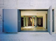 Buol & Zünd Architekten - Atrium house, Therwil 1999. Photos...