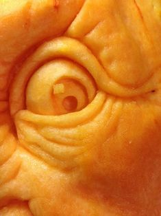 How to Carve a Realistic Face on a Pumpkin: 11 Steps (with Pictures) 3d Pumpkin Carving, Awesome Pumpkin Carvings, Creepy Pumpkin, Food Carving, Pumpkin Art, Pumpkin Crafts, Pumpkin Ideas, Pumpkin Sculpting, Halloween Pumpkins