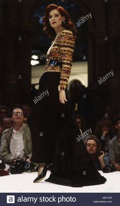 Dieses Stockfoto: fashion, 1980s, mannequin, full length, catwalk, spring summer, by Chanel, 1985