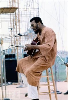 RIP Richie Havens ~ Here he is at Woodstock in 1969, the first act to perform on the first night.