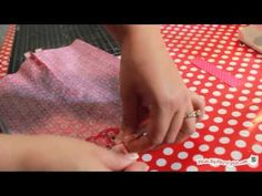 How To: Boxy Cosmetic Bag video tutorial