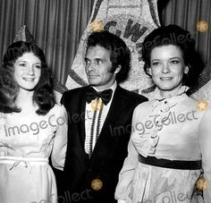 Merle Haggard Wife | Merle Haggard with His Wife Bonnie and Daughter Photo by Globe Photos ...
