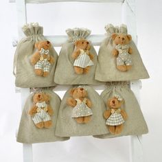Leinenbeutel - Bärchen, 6er-Set - Bärchenfiguren auf feinen Leinenbeuteln mit Häkelbordüre.