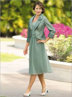 Draper's textured shimmer jacket dress is perfect for weddings, banquets, & any dressy occasion! This charming georgette ensemble is a great wardrobe addition.